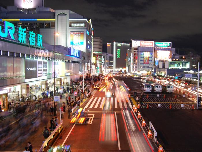 どんなライフスタイルでも受け入れる、利便性だけでは語れない街・新宿イメージ